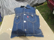 LEVI STRAUSS LEVIS STORE DISPLAY VEST JEANS