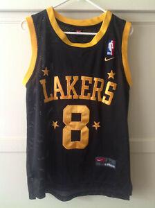 Kobe Bryant Black #8 Lakers Nike Jersey SIZE 44 Maybe Knock-off? READ DESCRIPTIO