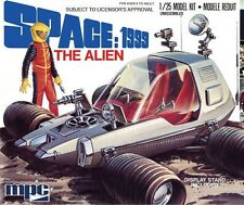 MPC Model Kit 1:25 - Space: 1999 - The Alien Figure and Buggy MPC795/12