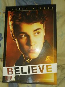 Coffret Justin Bieber CD musicaux et DVD carrière et biographie