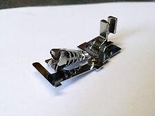 Schrägbandeinfasser mit 15 mm Nähfußhöhe