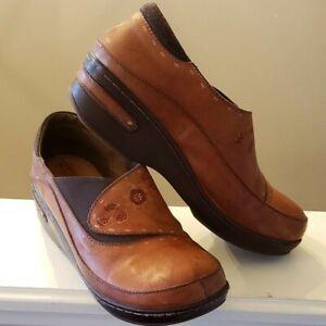 L' ARTISTE Spring Step Burbank Casual Womens Clogs Shoes 40 EU 9.5 US