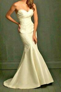 Allure Bridals Strapless Wedding Dress #8722 Size 6 Ivory