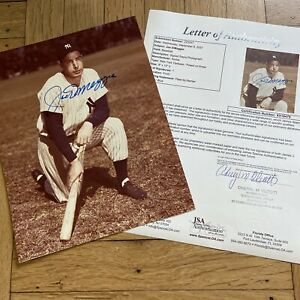 + Joe DiMaggio Posed on Knee Signed Auto Autograph 8x10 Photo JSA