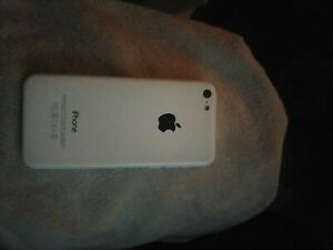 Apple iPhone 5c - 32GB - White (Unlocked) A1456 (CDMA + GSM)