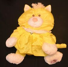 FISHER PRICE YELLOW KITTEN PUFFALUMP W/DRESS EXCELLENT USED CONDITION