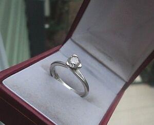 Attractive Platinum Solitaire Diamond Ring c.2005 -  0.45 carat Diamond - size M