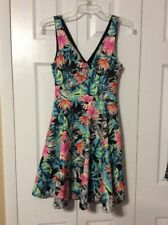 GUESS SLEEVELESS JUNGLE FLORAL FIT AND FLARE DRESS LINED TROPICAL SZ. 0 NWT