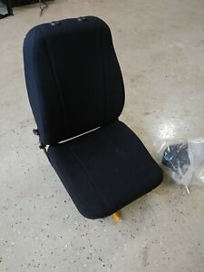 TRUCK Seat  KW Peterbilt KENWORTH & more with head rest black cloth flaw 905