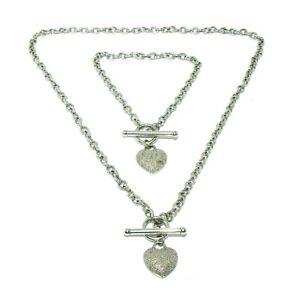 Ladies beautiful 9ct white gold chain+bracelet ensemble with diamond set hearts