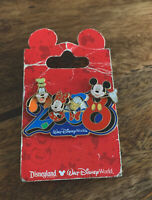 2008 Year Disney Pin with Mickey Minnie Donald Goofy moving heads