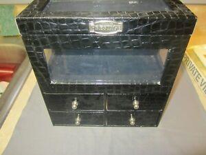 PRESTIGE BLACK VINYL JEWELRY BOX