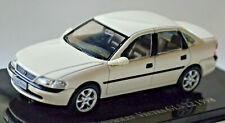 Chevrolet Vectra GLS 2.2 Limousine 1998 weiss Basismodell: Opel Vectra B 1:43