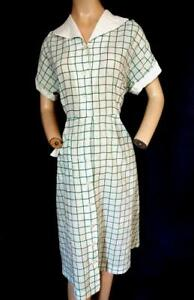 "1930's VINTAGE WHITE & GREEN PLAID LIGHTWEIGHT COTTON HOUSE DRESS-42"" BUST"