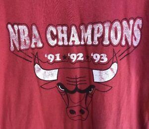Fruit Of The Loom Chicago Bulls Men M Tee T Shirt Red '91 '92 '93 3-Peat