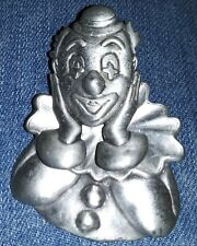 Fashion jewelry marked jj Silvertone 3d clown pin bobble head