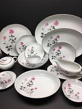 Beautiful 96 Piece Service for 12 China Dinner Set Japan Rose Arita