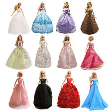 15 barbie Items 5 Gorgeous Dresses Prom Wedding Gown & 15 shoes for Barbie Dolls