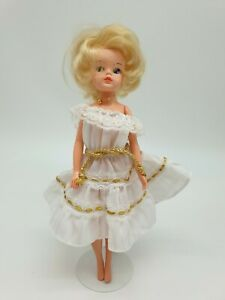 Vintage Cut N Style Sindy Doll from 1984 in Fashion Faces Outfit c1983
