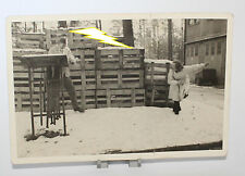 Foto - Soldat - Frau - Uniform - Militär - Kisten - Schnee - Krieg 2. Weltkrieg