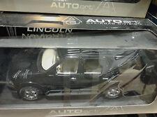 LINCOLN NAVIGATOR BLACK AUTOart 1/18 NEW RARE