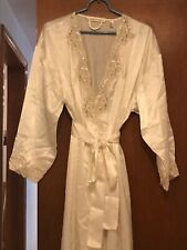VICTORIA SECRET Lace Bombshell Robe Ivory Size XS/S