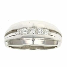 Men's 0.50 CT SI Platinum Diamond Band in Size 10