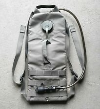 US HYDRATION PACK SYSTEM CARRIER MOLLE II + BLADER BAG FOLIAGE GREEN CAMELBAK