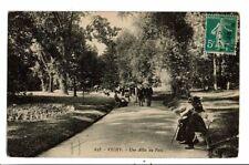 CPA-Carte Postale-France-Vichy- Une allée du Parc--1913-VM17742