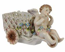 Porzellan Figur Dose Engel Putto Engelchen Cherub mit Karren