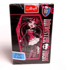 Jugando a las cartas juego. las tarjetas de los niños Disney. Monster High