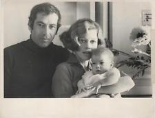 JANE FONDA-ORIGINAL PHOTO-CANDID W/HUSBAND ROGER VADIM & CHILD