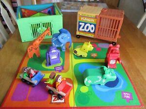 VINTAGE PLAYSKOOL #390 LOCK-UP ZOO. CAGE-CART-PEOPLE-ANIMALS-BOARD. (4696).