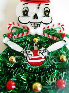 VINTAGE PLASTIC HALLOWEEN PUMPKIN, GHOST, + YULE GHOUL XMAS CHRISTMAS TREE PINS