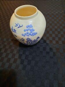 Blue Willow vase, 12cm, some crazing on base, Royal Cauldon
