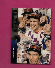 1994-95 UPD # 62 MESSIER  NEW YORK RANGERS  STANLEY CUP WINNER CARD (INV#6140)