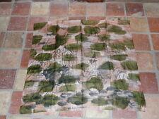 tres beau  foulard écharpe châle étole en soie peint a la main signe paris