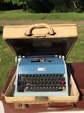 Vintage Olivetti Underwood 21 Portable Typewriter In Case Working Italy