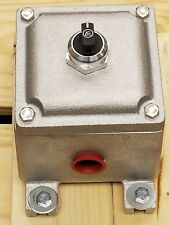NEW Akron Explosion Proof Enclosure with 3 Position Switch W/ 2NO , CXI333