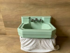 Vtg Mid Century Ceramic Pale Jadeite Green Porcelain Bath Wall Sink 679-20E