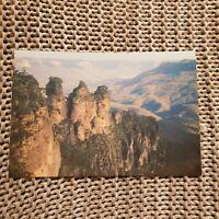 The Three Sisters, Katoomba, Blue Mountains - Vintage Postcard
