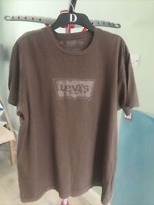 mens levi T shirt Size XL