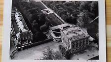 """ANCIENNE PHOTO AÉRIENNE de ROGER HENRARD   """" LE PETIT TRIANON VERSAILLES  """" 1952"""