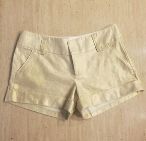 NWT ALICE AND OLIVIA GOLD METALLIC SHORTS WITH CUFFS SIZE 6