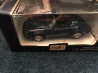 Maisto 1:24 Scale Die Cast 1989 Porsche 911 Speedster Special Edition Blue