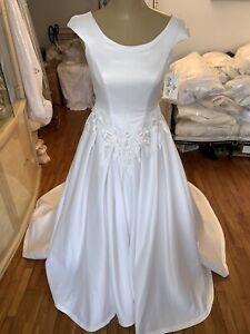 #284 Lady Roi Wedding Gown NWT SZ 12 Exquisite Detail