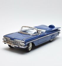 Road Legends Chevrolet Impala Cabriolet 1959 in blau lackiert, OVP, 1:18, K041