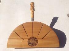 Présentoir à couteaux en bois