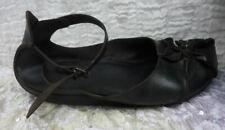 Schuhe von TRIPPEN mit Blüte - Gr. 39