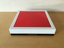 Used - Display Base Exposant GUESS 18 x 18 x 3.5 cm - Plastic - Usado